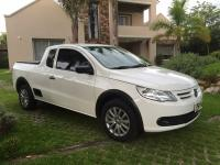vendo pick up  VOLSKWAGEN SAVEIRO MOTOR 1 6 CON GNC  AÑO 2012 impecable 70