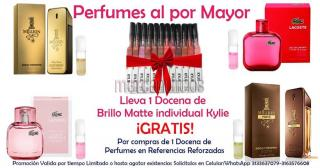 Gratis brillo kylie + probador roll on por perfume que lleves